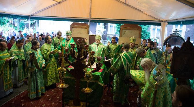 Латвийские архипастыри совершили литургию в день памяти преподобного Сергия Радонежского