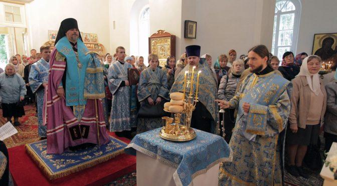 Всенощное бдение в Резекненском соборе накануне храмового праздника