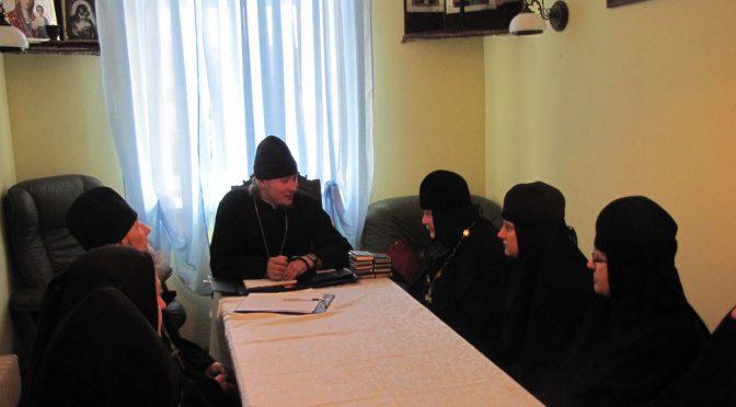 Даугавпилсский благочинный совершил Литургию  в Илукстском монастыре