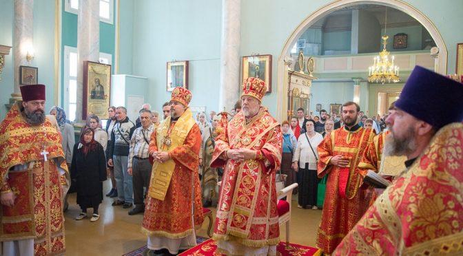 Литургия в Рижском Благовещенском храме в день памяти святителя Николая
