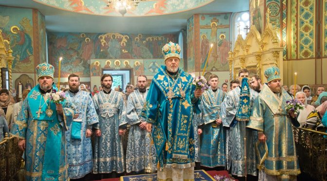 Акафист и всенощное бдение в канун празднования Тихвинской иконы Пресвятой Богородицы в Риге