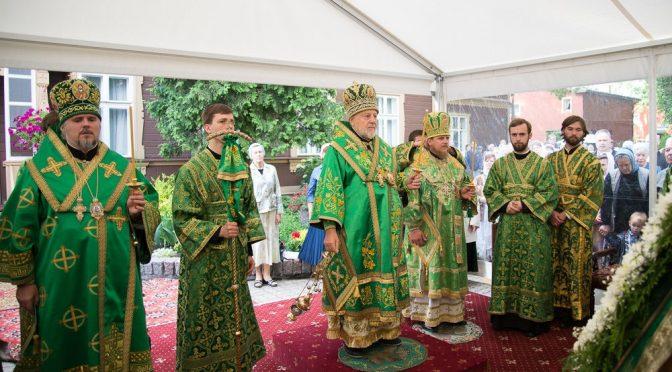 Всенощное бдение в Рижском Свято-Троице-Сергиевом монастыре