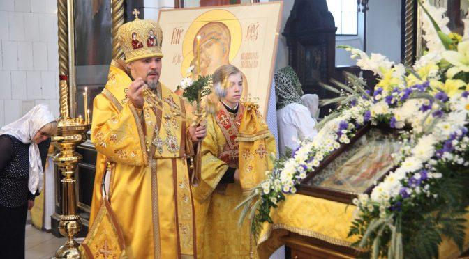 Всенощное бдение в Борисо-Глебском сооборе в канун дня памяти свв. апп. Петра и Павла