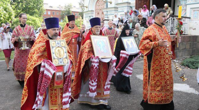 Литургия и крестный ход в Борисо-Глебском соборе