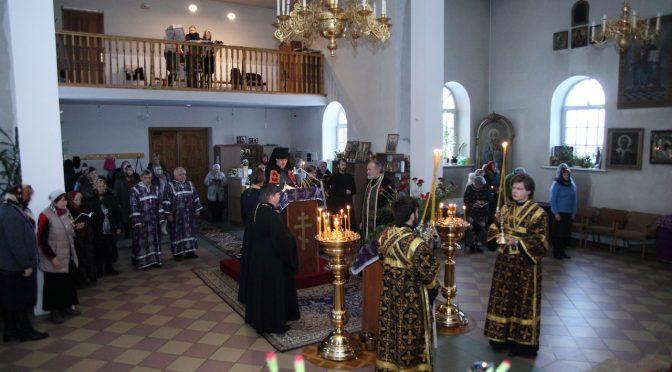 Чтение канона Андрея Критского в храме свв. апп. Петра и Павла города Даугавпилс