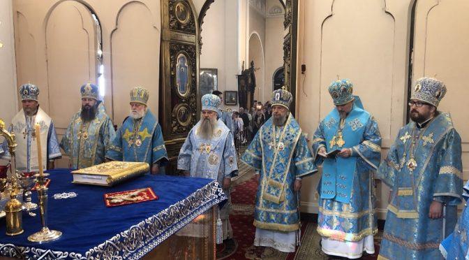 Епископ Александр принимает участие в торжествах 10-летия возрождения Нарвской епархии