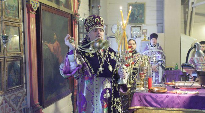 Божественная литургия Преждеосвященных Даров в Никольском храме на Гриве города Даугавпилс
