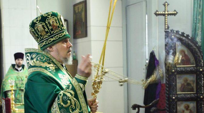 Богослужение в Великий Четверг в Борисо-Глебском соборе