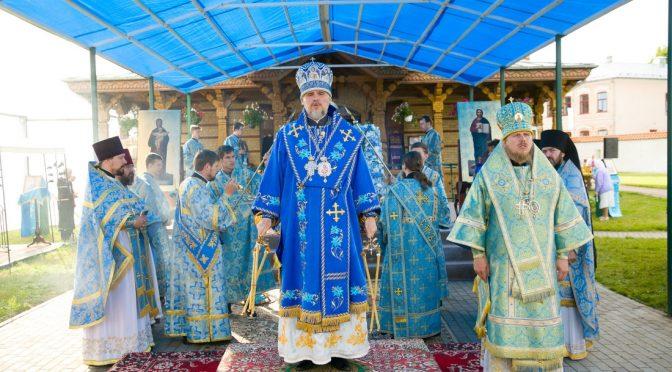 Литургия в день празднования принесения Якобштадтского образа Пресвятой Богородицы в Свято-Духов монастырь