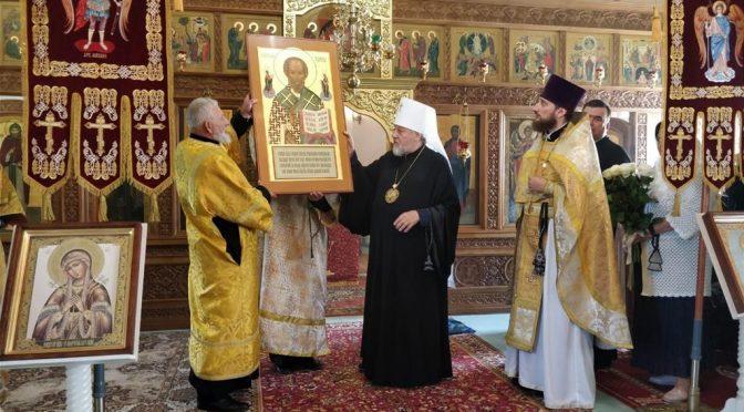 В неделю 8-ю по Пятидесятнице Митрополит Рижский и всея Латвии Александр молился в родном селе