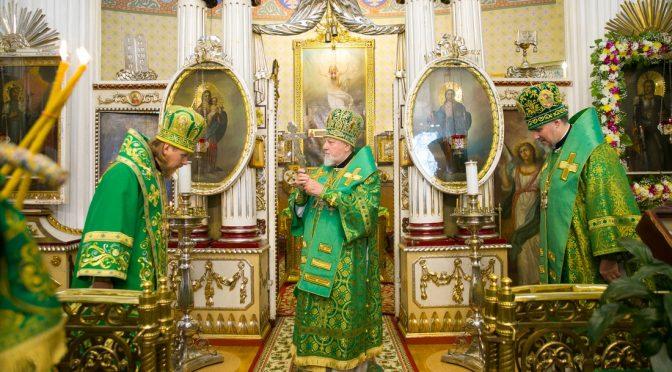 Архипастырское богослужение в Рижском Александро-Невском храме