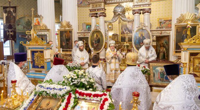 Богослужение в день празднования иконы Божией Матери «Живоносный Источник». НАГРАЖДЕНИЕ