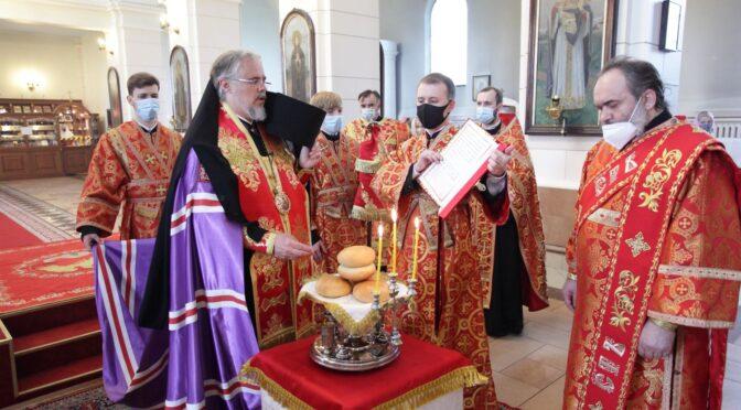 Всенощное бдение в Борисоглебском соборе в канун престольного праздника