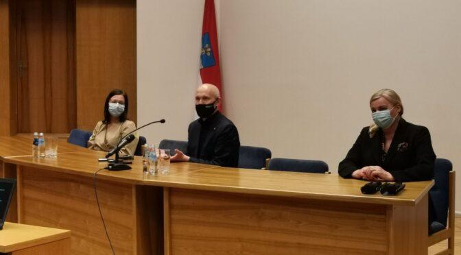 В Даугавпилсской думе состоялась встреча с Министром здравоохранения
