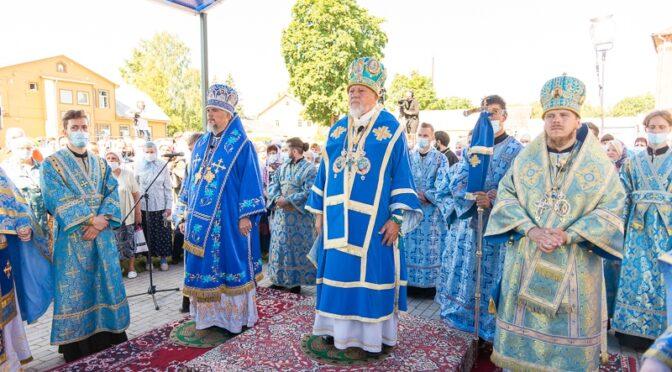 Литургия в Екабпилсском Свято-Духовом мужском монастыре