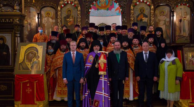 Богослужение в день престольного праздника Даугавпилсского кафедрального собора и отмечаемого 15-летия Архиерейской хиротонии Епископа Александра
